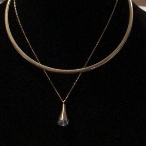 Beautiful goldtone necklace collar